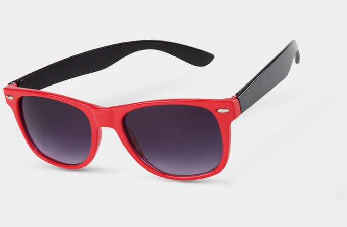 Solbrille 35 Waifair Red | Solbriller | Russedress.no